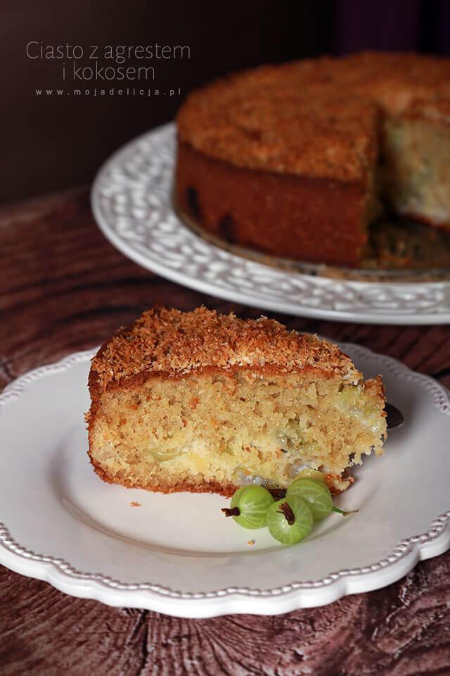 ciasto-z-agrestem-i-kokosem-z-posypka-kokosowa-ciasto-z-owocami-ciasto-na-lato