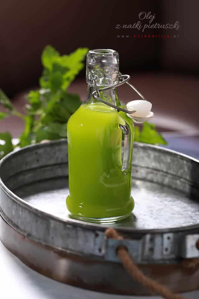 olej-z-natki-pietruszki,-olej-pietruszkowy,Parsley-Oil-Recipe