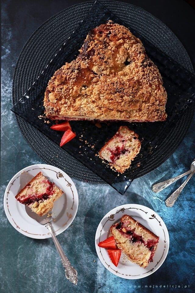 ciasto-drozdzowe-z-owocami-lesnymi-i-kruszonka-yeast-cake-with-forest-fruit-and-crumble5
